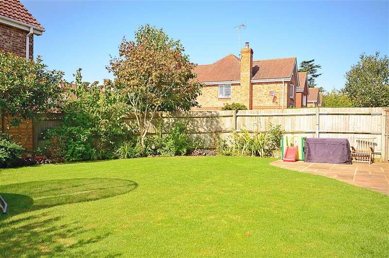5 Bedrooms Detached House for sale in Meiros Way, Ashington, West Sussex