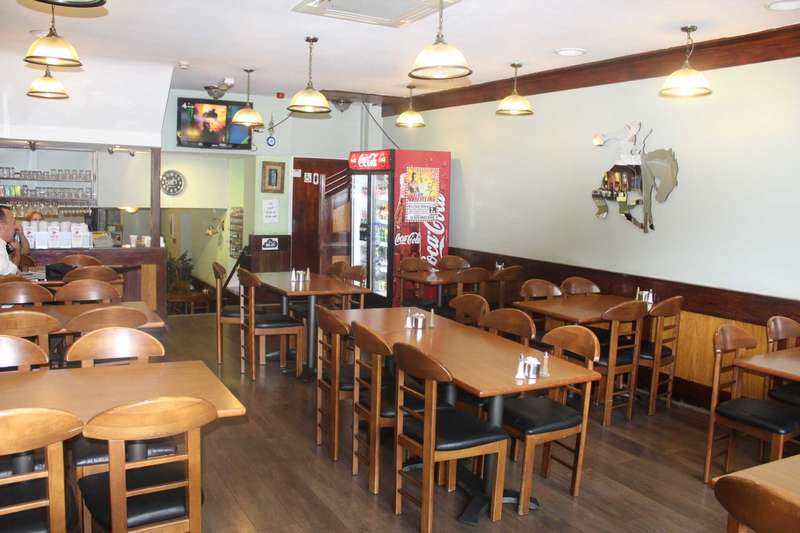 Restaurant Commercial for sale in Green Lanes, Palmers Green