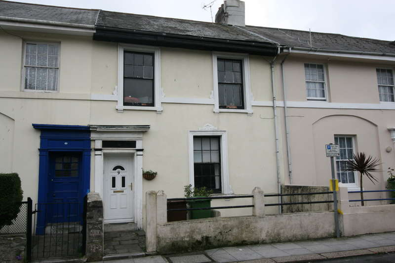 5 Bedrooms Terraced House for sale in Clarence Place, Stonehouse, Plymouth