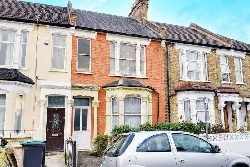 4 Bedrooms Terraced House for sale in Parkhurst Road, Wood Green, N22