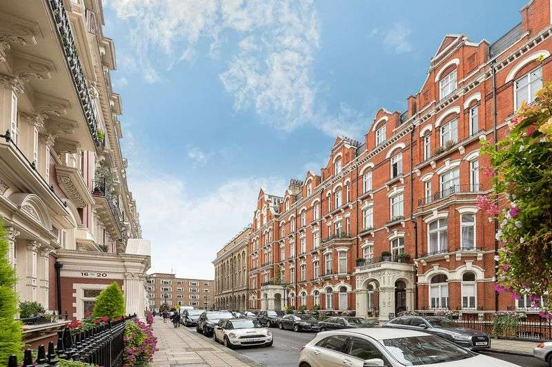5 Bedrooms Flat for sale in Carlisle Mansions, London