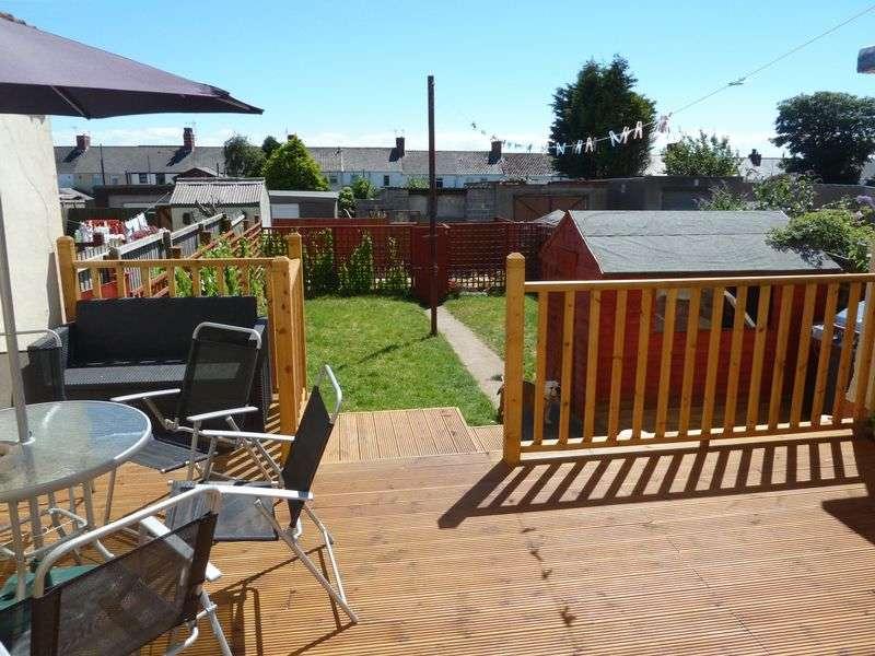 4 Bedrooms Terraced House for sale in Castle Road, Rhoose