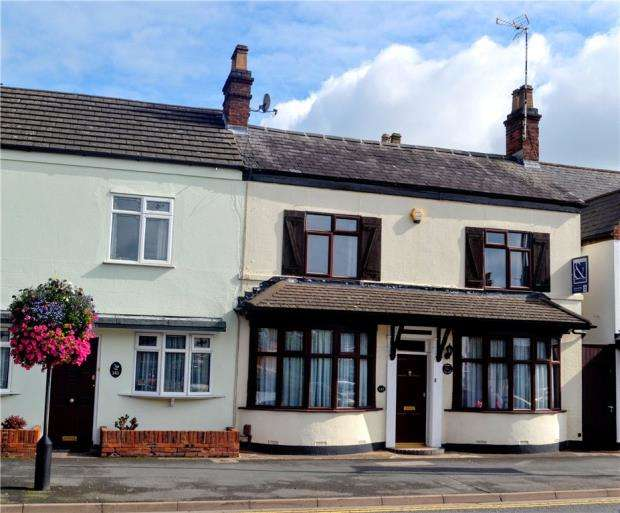 4 Bedrooms Semi Detached House for sale in Warwick Road, Kenilworth, Warwickshire