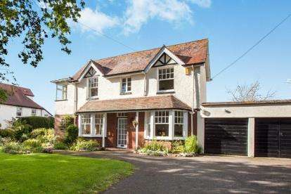 4 Bedrooms Detached House for sale in Lympstone, Devon