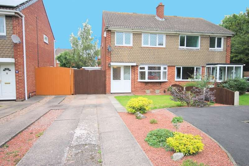 3 Bedrooms Semi Detached House for sale in Collett, Glascote, Tamworth B77 2DZ