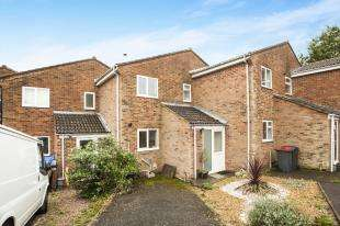 2 Bedrooms Terraced House for sale in Brabourne Close, Canterbury, Kent