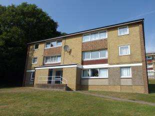 1 Bedroom Flat for sale in Hirst Close, Dover, Kent