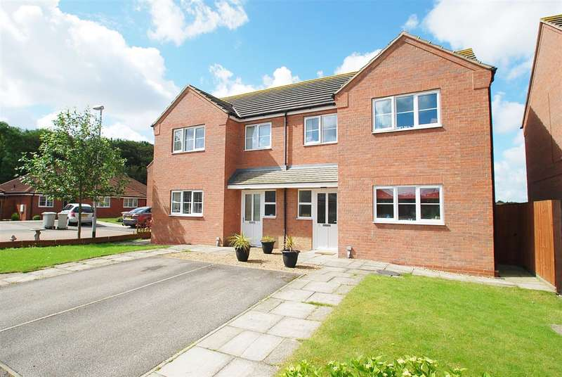 2 Bedrooms Semi Detached House for sale in Ripon Close, Skegness