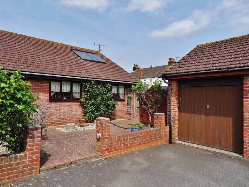 2 Bedrooms Semi Detached Bungalow for sale in Haynes Road, Tarring, Worthing, BN14