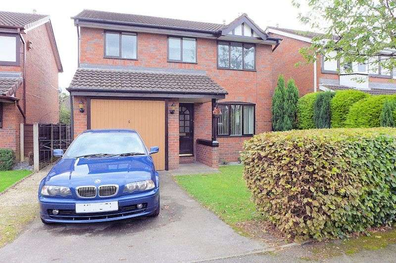 4 Bedrooms Detached House for sale in Church Croft, Bury