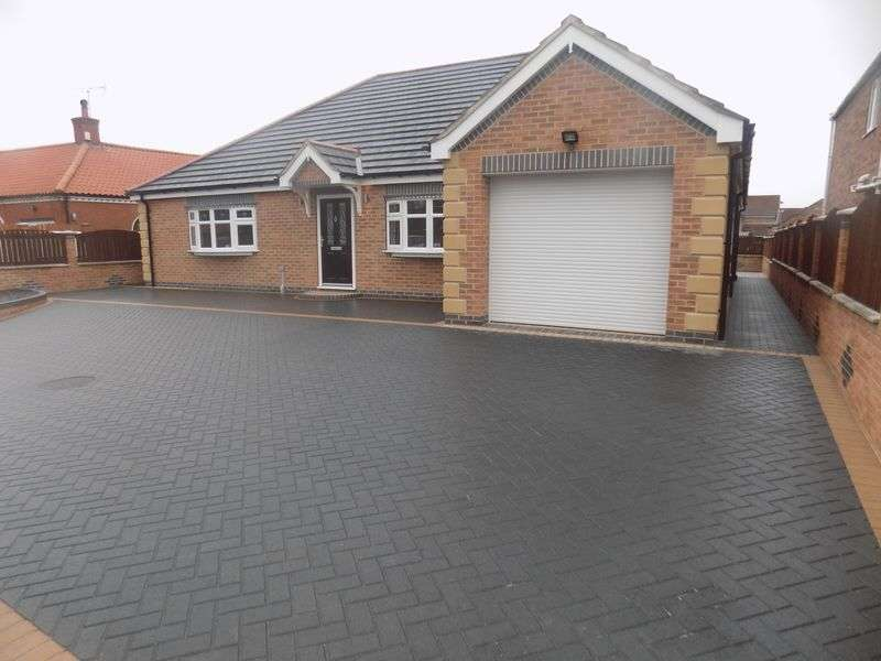 3 Bedrooms Detached Bungalow for sale in Thorne Road, Sandtoft