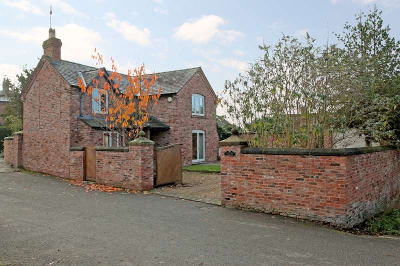 3 Bedrooms House for sale in 3 bedroom House Detached in Farndon