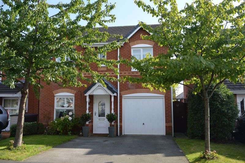 4 Bedrooms Detached House for sale in Latham Avenue, Newton-Le-Willows, WA12 OEG