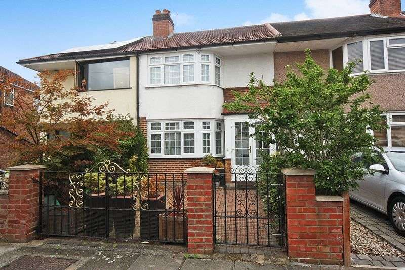 3 Bedrooms Terraced House for sale in Stanley Avenue, Greenford