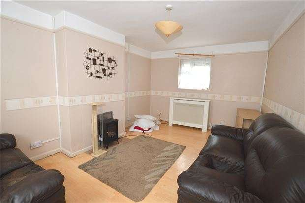 3 Bedrooms Semi Detached House for sale in Tennyson Road, Cheltenham, GL51 7DA