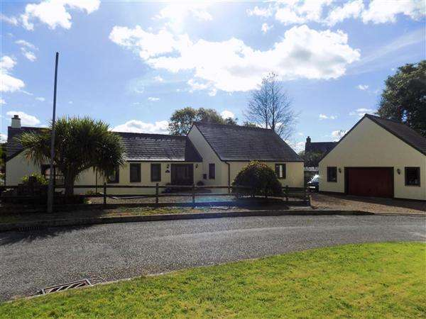4 Bedrooms Bungalow for sale in Orchard End, Longhouse Gardens, Wiston, Haverfordwest