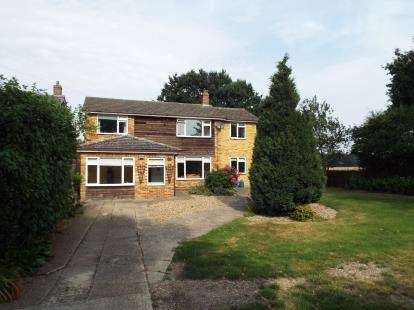 4 Bedrooms Detached House for sale in West Bergholt, Colchester, Essex