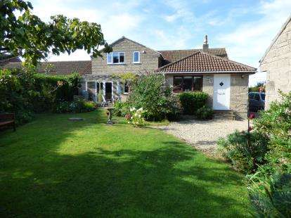 4 Bedrooms Bungalow for sale in Langport, Somerset