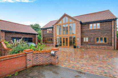 5 Bedrooms Detached House for sale in West Row, Bury St. Edmunds, Suffolk