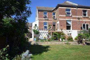 2 Bedrooms Semi Detached House for sale in Clive Avenue, Hastings, East Sussex