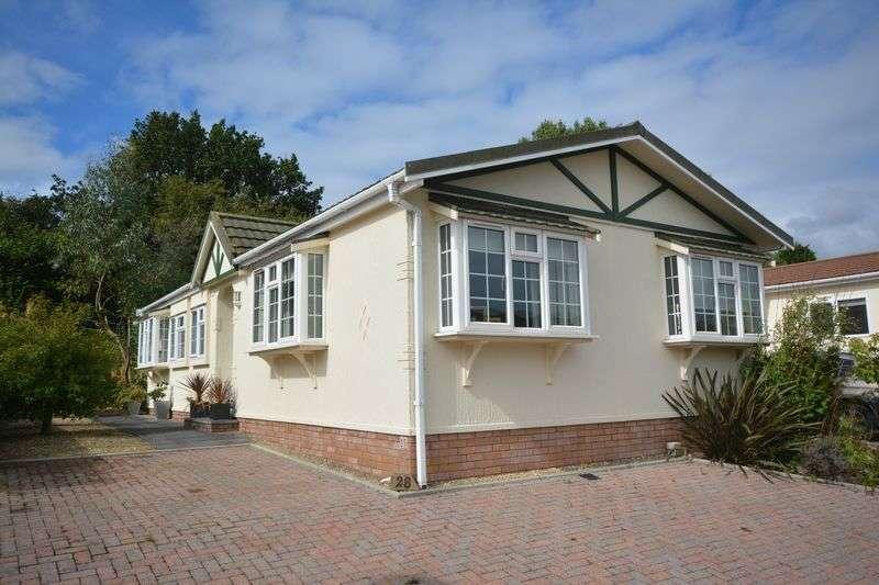 2 Bedrooms Retirement Property for sale in 28 Heronston Lane, Park Homes, Bridgend CF31 3BZ