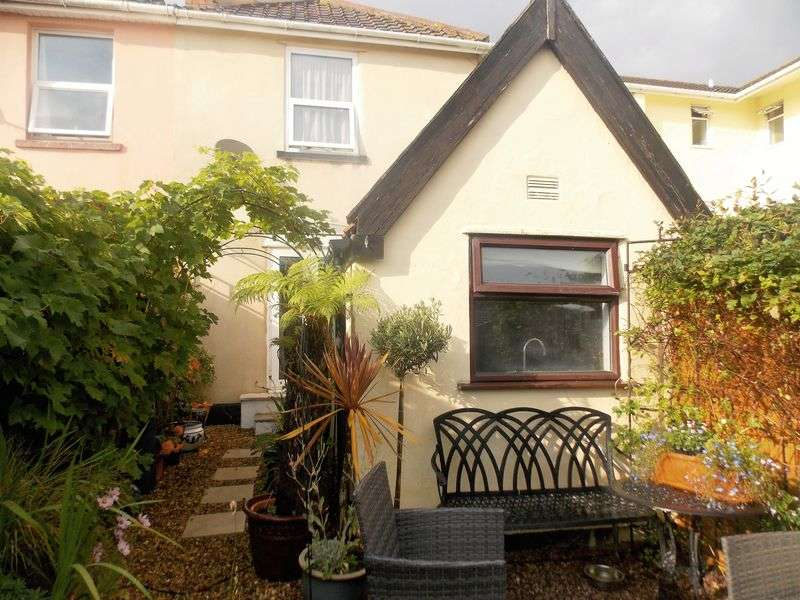 3 Bedrooms Semi Detached House for sale in Moorland Road, Weston-Super-Mare
