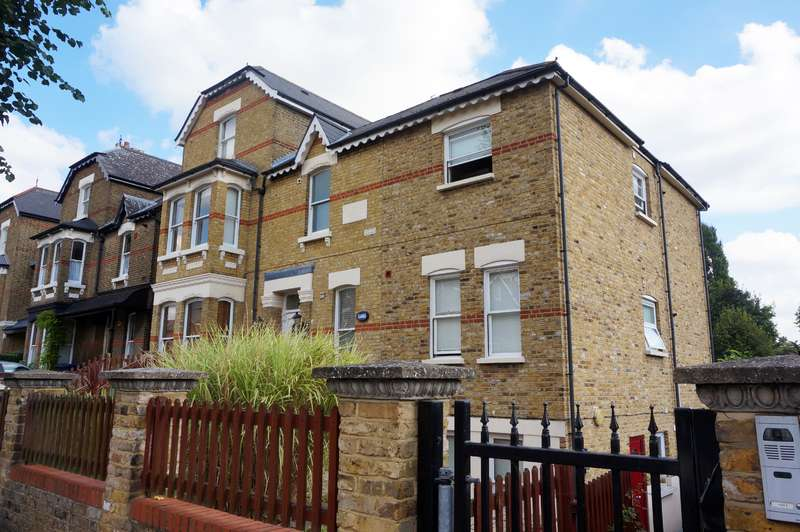 2 Bedrooms Flat for sale in Cumberland Park, Acton