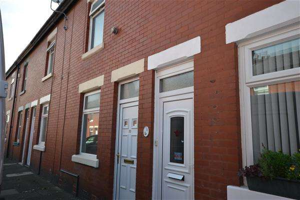 2 Bedrooms Terraced House for sale in Drummond Ave, Layton