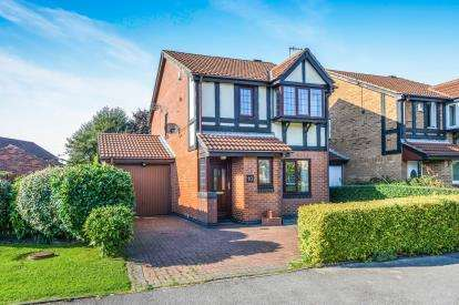 3 Bedrooms Detached House for sale in Roeburn Drive, Morecambe, Lancashire, United Kingdom, LA3