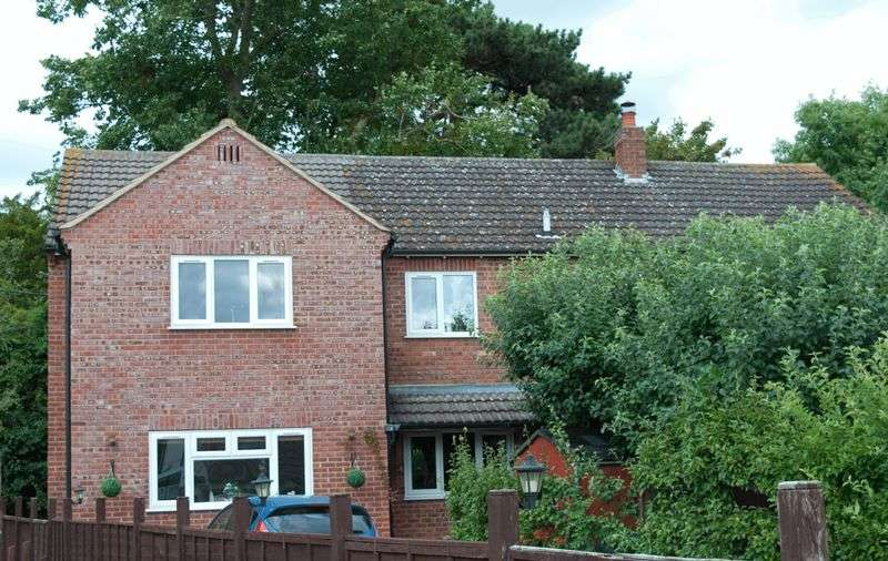 6 Bedrooms Detached House for sale in Old Tewkesbury Road, Norton, Gloucester
