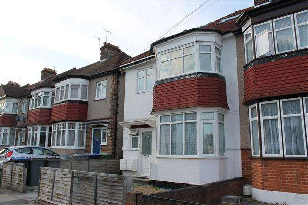 2 Bedrooms Maisonette Flat for sale in Thirlmere Gardens, Wembley