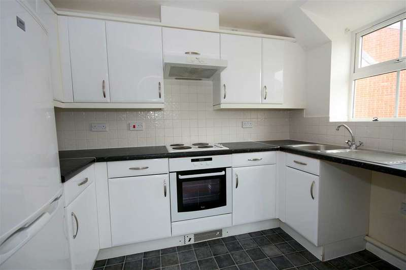 2 Bedrooms Flat for sale in Avro Court, Hamble, Southampton