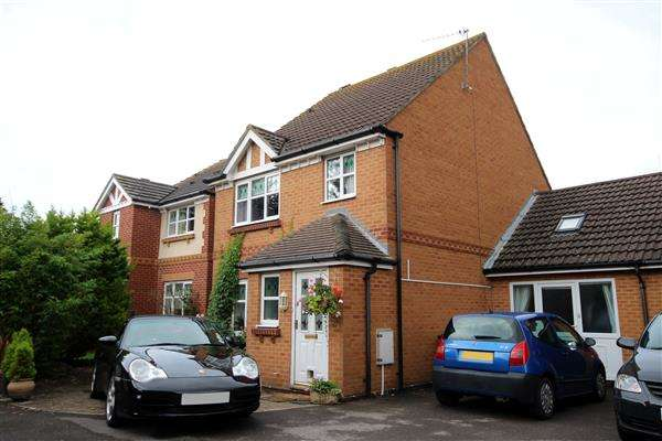 3 Bedrooms House for sale in Tutor Close, Hamble, Southampton