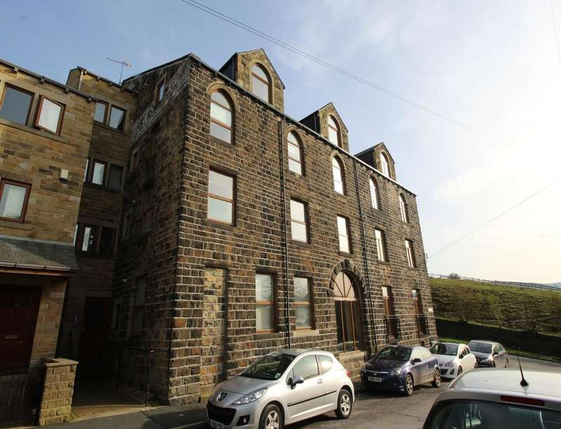 3 Bedrooms Flat for sale in Prince Street, Haworth, Keighley, BD22