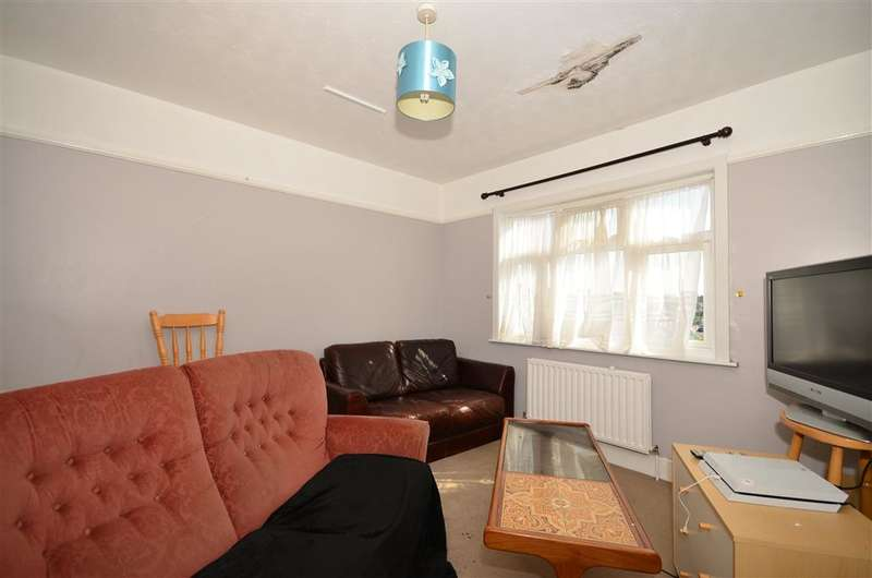 3 Bedrooms Flat for sale in Reculver Road, Herne Bay, Kent