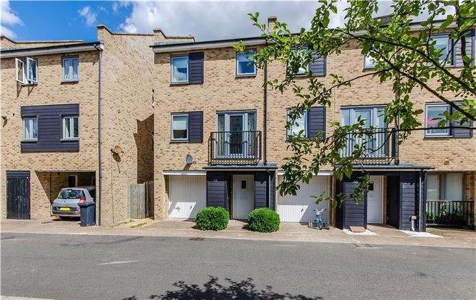 4 Bedrooms End Of Terrace House for sale in Alice Bell Close, Cambridge
