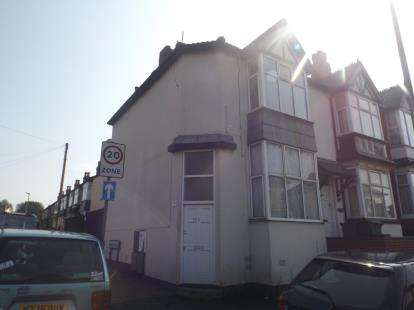 2 Bedrooms End Of Terrace House for sale in Bearwood Road, Smethwick, Birmingham, West Midlands