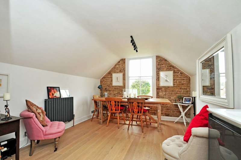 2 Bedrooms Flat for sale in Beverley Road, Chiswick, W4