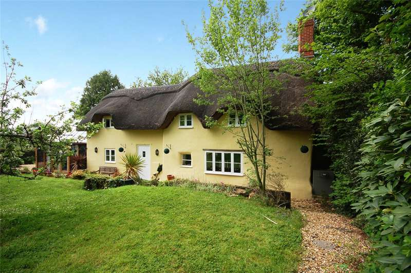 3 Bedrooms Detached House for sale in Brook Lane, Woodgreen, Fordingbridge, Hampshire, SP6