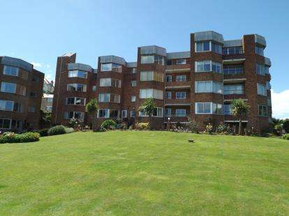 3 Bedrooms Flat for sale in Meadwood, St. Marks Road, Torquay