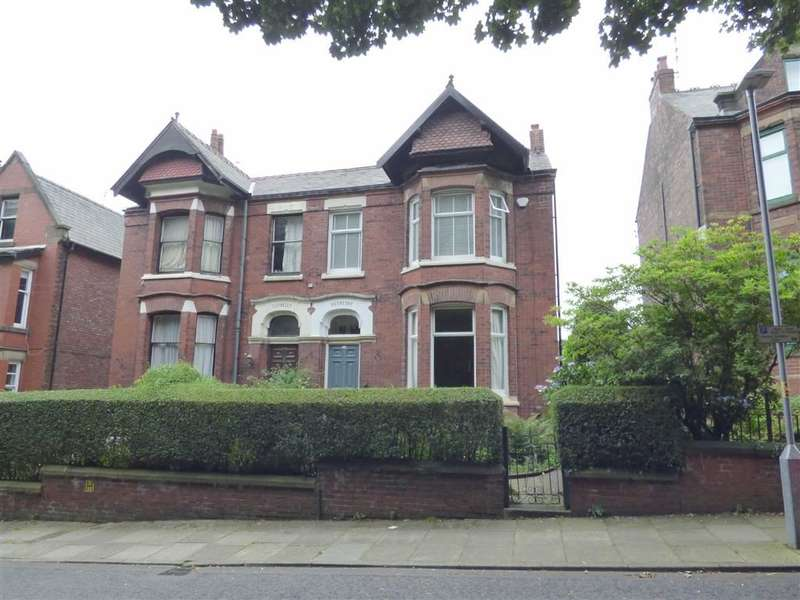 4 Bedrooms Property for sale in Mellor Road, Ashton-under-lyne, Lancashire, OL6