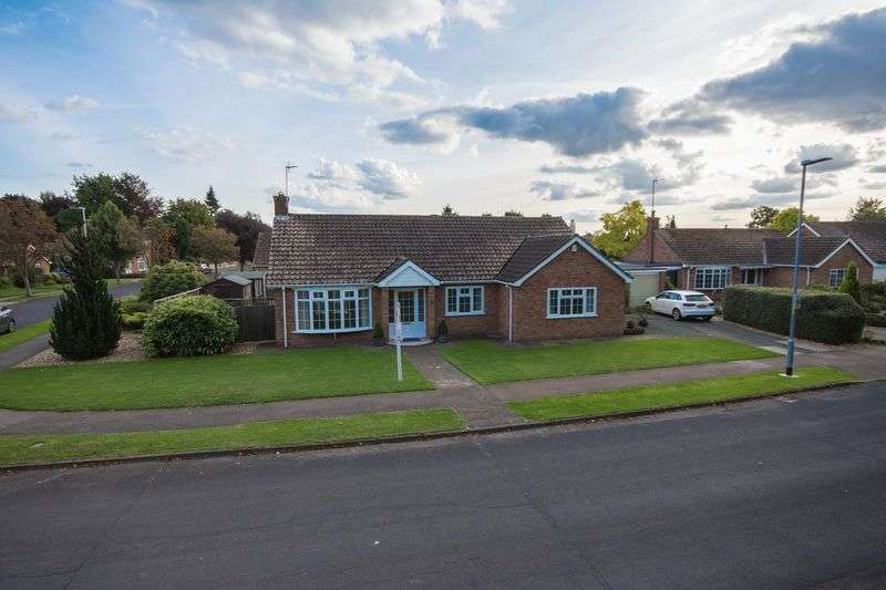 3 Bedrooms Detached Bungalow for sale in Linden Way, Boston