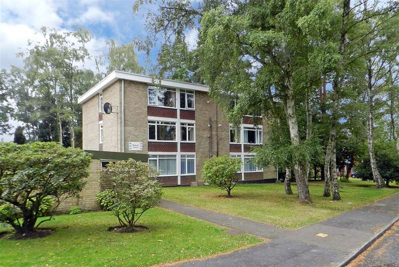 2 Bedrooms Apartment Flat for sale in Wulwyn Court, Linkway, Edgcumbe Park, Crowthorne