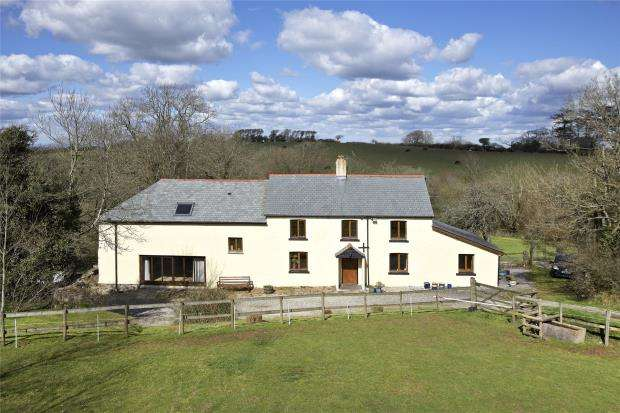 4 Bedrooms Detached House for sale in South Tawton, Okehampton, Devon