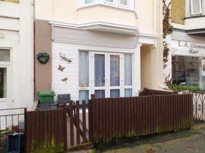 2 Bedrooms Flat for sale in Shanklin, Isle of Wight