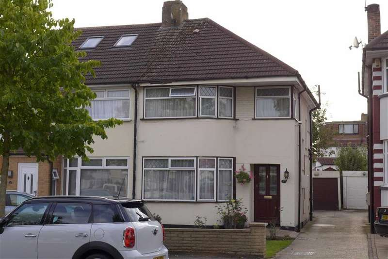 3 Bedrooms Property for sale in Beverley Gardens, Stanmore, Middlesex