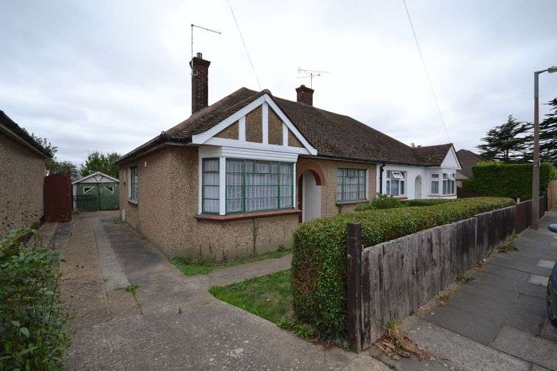 2 Bedrooms Semi Detached Bungalow for sale in King Edward Road, Stanford-Le-Hope