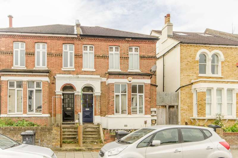 2 Bedrooms Flat for sale in Thurlestone Road, West Norwood, SE27