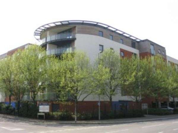 1 Bedroom Flat for sale in Channel Way, Ocean Village, Southampton