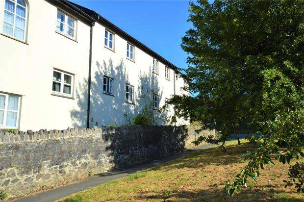 3 Bedrooms Terraced House for sale in Holne Court, Church Street, Buckfastleigh, Devon